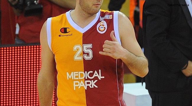 Milan Macvan 30 yaşında basketbolu bıraktı