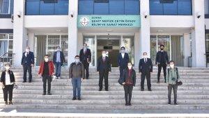 Milli Eğitim Müdürlüğünden gazetecilere yüz koruyucu siperlik
