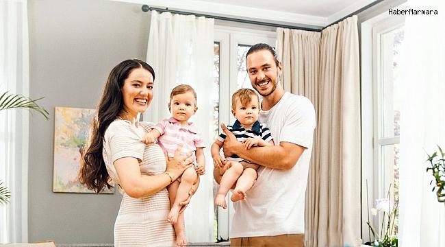 Pelin Akil-Anıl Altan'ın ikizleri reklam yüzü oldu