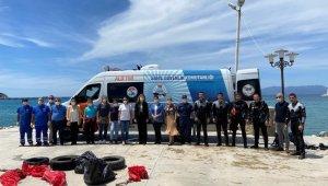 Sahil güvenlik ekipleri Kuşadası'nda Dünya Çevre Günü etkinliği düzenledi