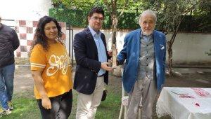Yazar İlber Ortaylı'ya Kırkağaç'tan tarihi hediye