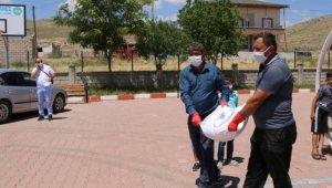 9 bin çuval un 16 ilçede ihtiyaç sahiplerine dağıtıldı