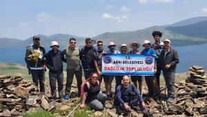 Ağrı Belediyesi Dağcılık Topluluğu Balık Gölü'nde faaliyet gerçekleştirdi