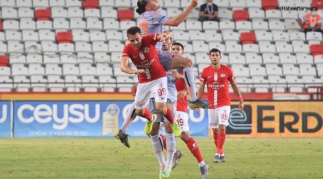 Antalyaspor  0 - 2 Medipol Başakşehir