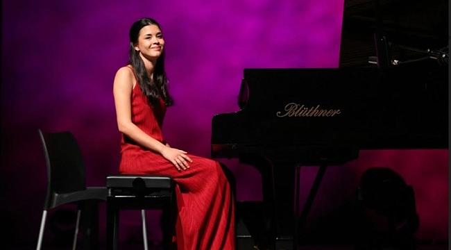 Başarılı genç Türk piyano sanatçısına ABD'den büyük onur