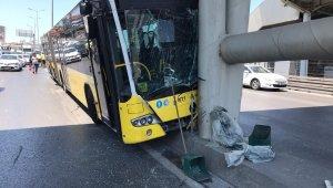Beylikdüzü Haramidere-Avcılar seferini yapan körüklü belediye otobüsü E5 yanyolda refüje çıkarak kaza yaptı. Kazada bazı yolcular yaralandı. Yaralı yolculara 112 ekiplerinin müdahalesi devam ediyor.
