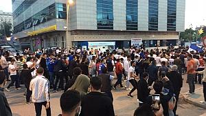 Erzurum'da binler sokağa döküldü