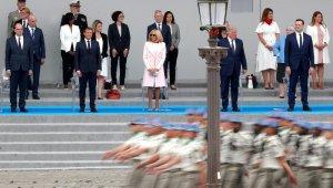 Fransa'da Ulusal Bayram korona salgını gölgesinde kutlanıyor