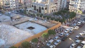 Gaziantepliler bayram namazında sokaklara taştı