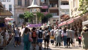 Güneşli havayı fırsat bilen İstanbullular Adalar'a akın etti