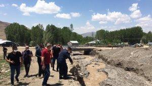 Kaymakam Mehmetbeyoğlu'ndan sağanak yağıştan etkilenen bölgeye ziyaret