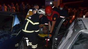 Ordu'da iki otomobil kafa kafaya çarpıştı: 6 yaralı