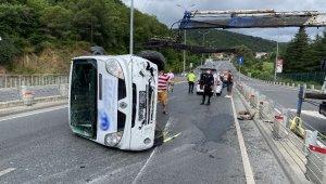 Sarıyer'de panelvan araç devrildi: 3 yaralı