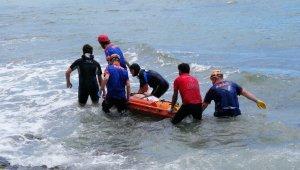 Serinlemek için girdiği denizde boğuldu