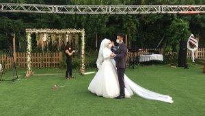 Sosyal mesafeli düğün sezonu başladı