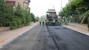 Toroslar'da 4 ayda 6 bin ton sıcak asfalt döküldü