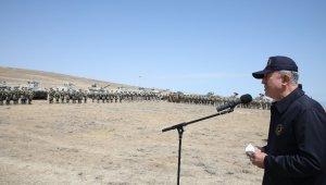 """Bakan Akar: """"Ermenistan'a karşı tüm imkanlarımızla Azerbaycan'ın yanındayız"""""""