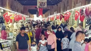 Bakan Koca'nın 'vaka az' dediği Edirne'ye, bayramda binlerce kişi akın etti