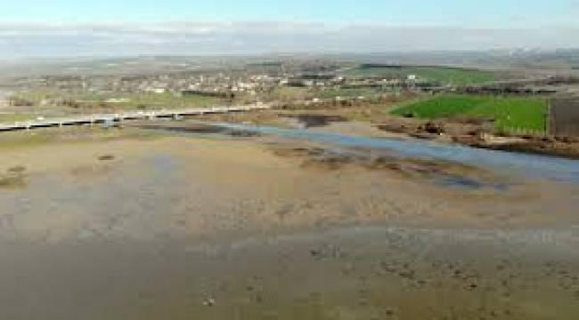 B.Çekmece Gölünde Su Seviyesi Yüzde 30'a Geriledi