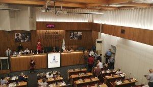 Büyükşehir meclisinde AK Parti Grubu salonu terk etti