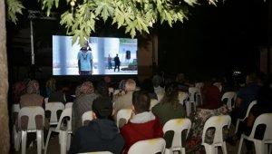 Erdemli'de yazlık sinema keyfi bayramda da devam etti