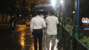 Eskişehir'de sıcak hava yerini yağmura bıraktı