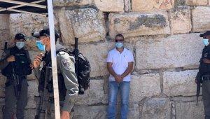 İsrail güçleri, Mescid-i Aksa'da Filistinli gazeteciyi gözaltına aldı