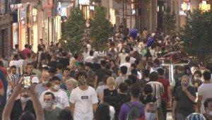 İstiklal Caddesi'nde dikkat çeken yoğunluk