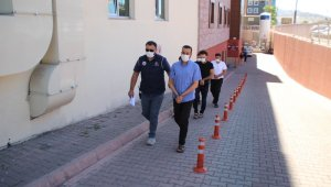 Kayseri'deki DEAŞ operasyonunda 3 kişi adliyeye sevk edildi