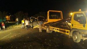 Kırmızı ışıkta duramayan kamyonet otomobile çarptı : 1 yaralı