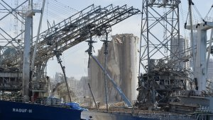 Lübnan patlamasından geriye enkaz kaldı
