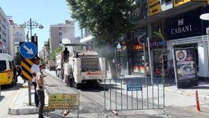 Maraş Caddesi'nde yenileme çalışmaları başladı