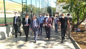 TFF Başkanı Nihat Özdemir, Siirt Özel İdarespor tesisinde incelemelerde bulundu