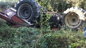 Traktörün altında kalarak ağır yaralanmıştı