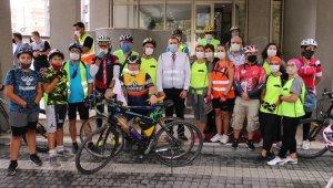 Başkan Tutuk bisikletçilerle pedal bastı