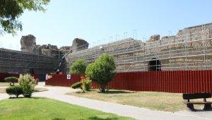 Diyarbakır surları restorasyonunda insan kemikleri bulundu