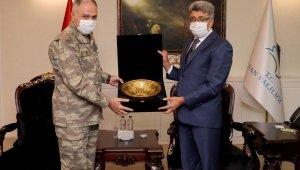 2. Ordu Komutanı Orgeneral Metin Gürak Van'da