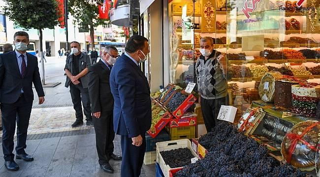 Başkan Gürkan esnafları gezdi, vatandaşlarla sohbet etti