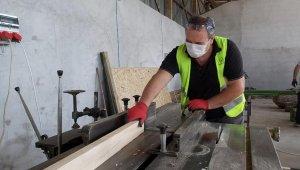 Çan Belediye marangozhanesi imalata başladı