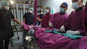 Doktorlar canlı yayında kalp operasyonu yaptı