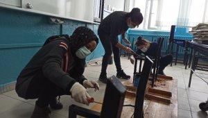 Fedakar öğretmenler öğrencileri için okulu atölyeye çevirdiler