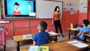 Sağlıkçılardan öğretmen ve öğrencilere korona virüs eğitimi