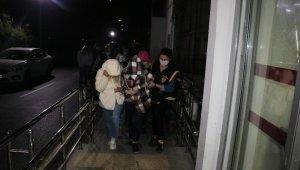 Sahte vali operasyonunda yakalanan zanlılar Adana'ya getirildi
