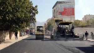 Van Büyükşehir Belediyesinin asfalt çalışması devam ediyor