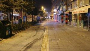 Niğde'de cadde ve sokaklarda sessizlik hakim