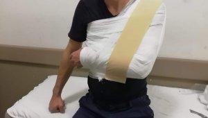 3 maganda ambulans şoförünü döverek hastanelik etti