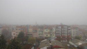 Burdur, sokağa çıkma kısıtlamasının ardından güne sisle uyandı