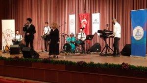 Eskişehirli 'Sosyal Mesafe' grubu ses yarışmasında Türkiye birincisi oldu