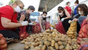 Gaziemir Belediyesinden 7 binden fazla aileye yardım