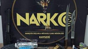 Kayseri polisinden uyuşturucu operasyonu: 4 gözaltı